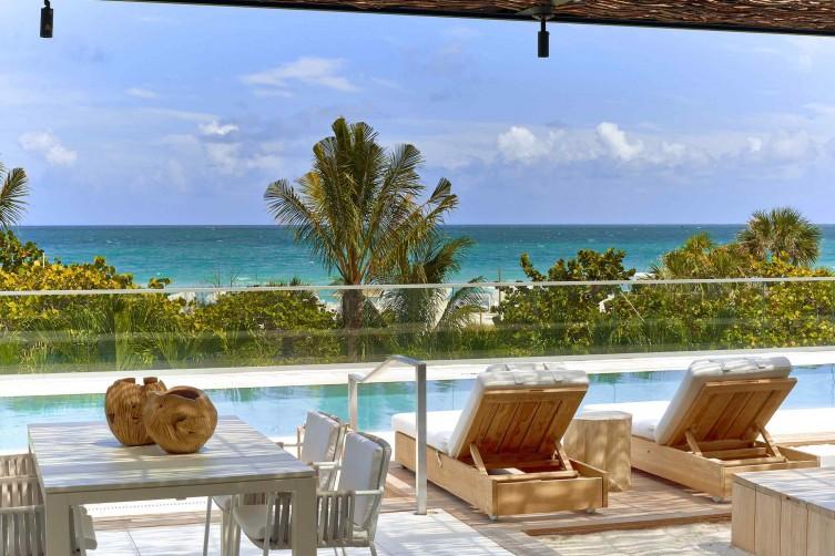 1 Hotel Cabana Pool - Cabana View