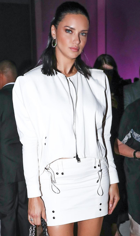 Adriana Lima arriving at the Tom Ford SS19 show.