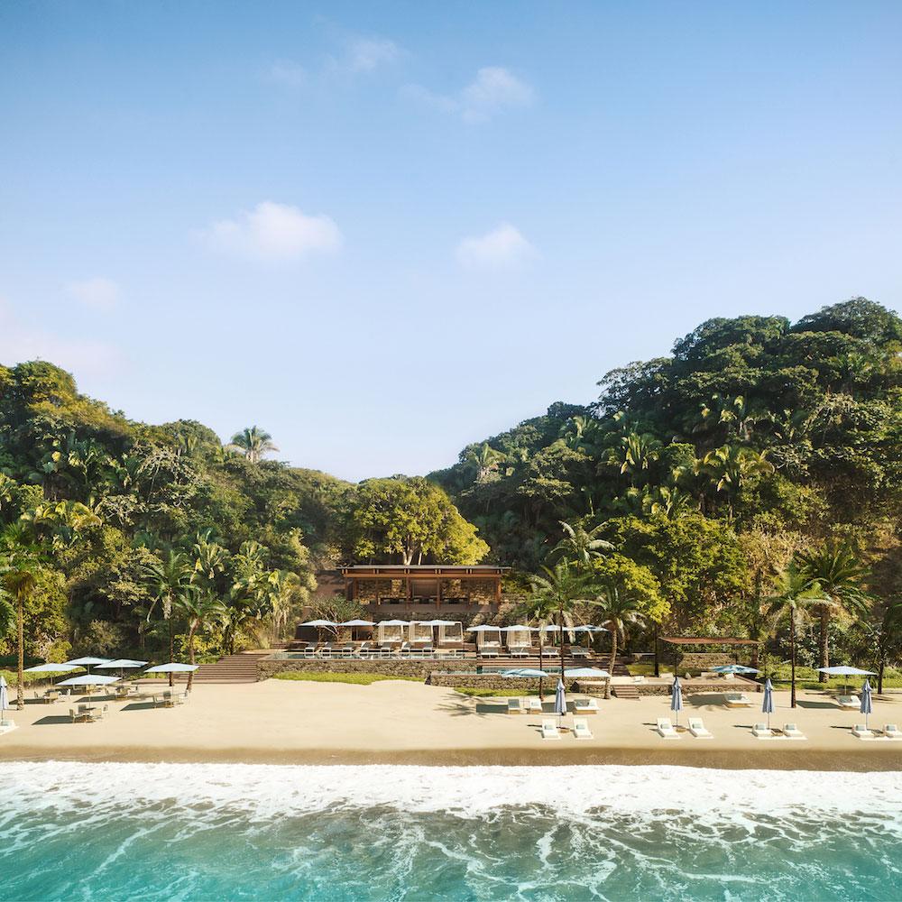 One of Mandarina's beach clubs