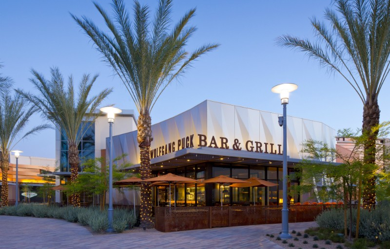 Wolfgang Puck Fires Up The Grill For New Las Vegas Dinner Series