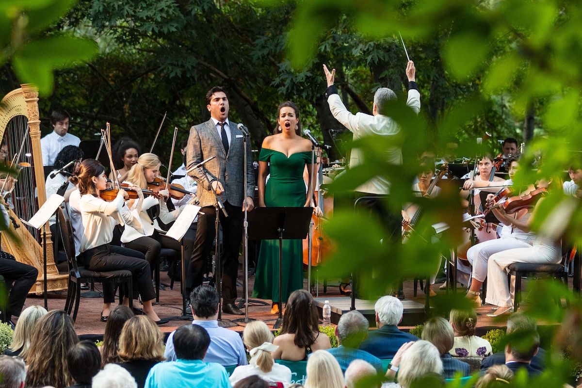 Jonathan Tetelman and Nadine Sierra perform at the opening night concert