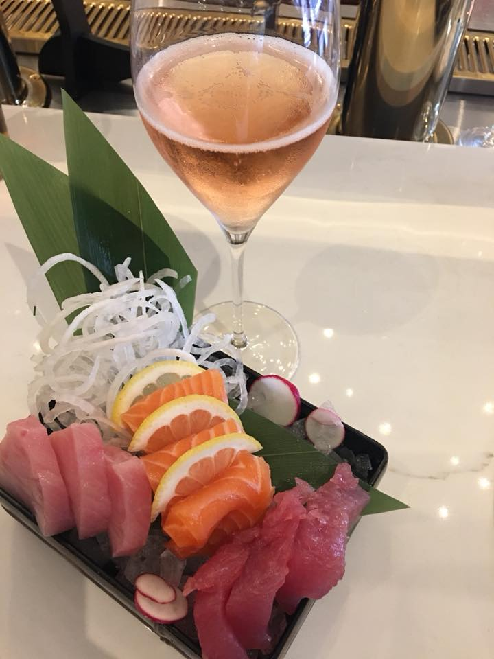 Sushi and sparkling wine at Sigh