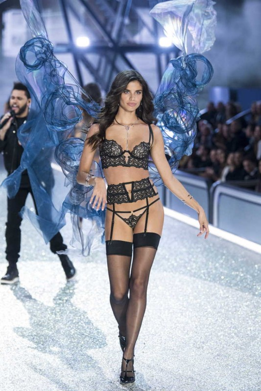 Sampaio walks the runway at the Victoria's Secret Fashion Show on November 30, 2016 in Paris, France
