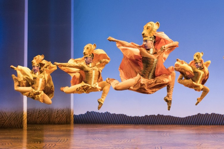 """Lionesses Dance"" in THE LION KING North American Tour"