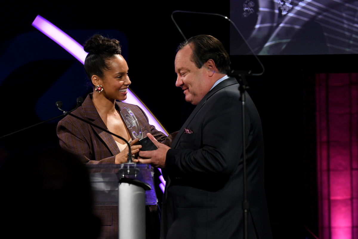 Alicia Keys presents an award to Bob Bakish onstage during the MTV Staying Alive Foundation 20th Anniversary Gala at Guastavino's at Guastavino's on November 27, 2018 in New York City. (Photo by Craig Barritt/Getty Images for MTV)