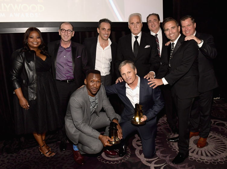 Octavia Spencer, Dimiter Marinov, Sebastian Maniscalco, Joe Cortese, Nick Vallelonga, Mike Hatton, Brian Hayes Currie and (in front) Mahershala Ali and Viggo Mortensen, recipients of the Hollywood Ensemble Award for 'Green Book'