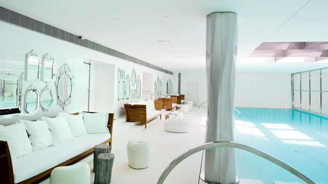 Spa-My-blend-by-Clarins-piscina