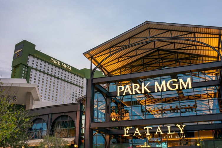 Eataly Las Vegas and Park MGM exterior.
