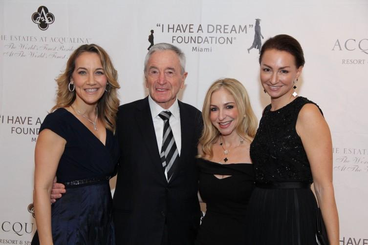 Alexandra Wensley, Jules Trump, Amanda Alvarez and Maya LE TROADEC