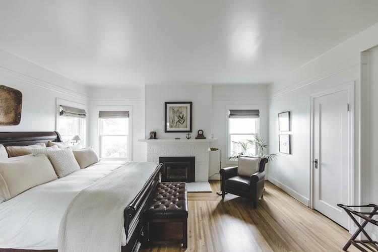 A guestroom