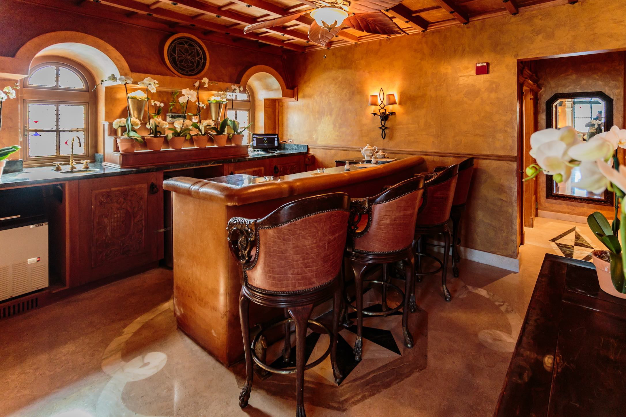 Sushi By Bou Opens In The Iconic Versace Mansion