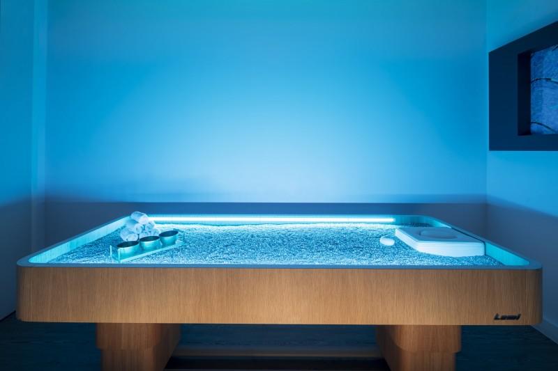 Quartz Massage Table