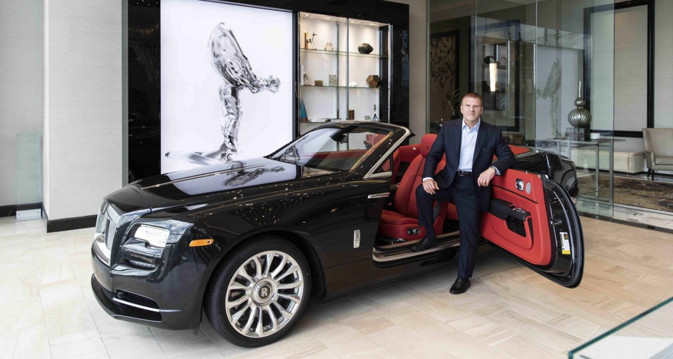 Tilman Fertitta On What It Takes To Build An Award-Winning Five-Diamond Hotel & How To Become A Billionaire