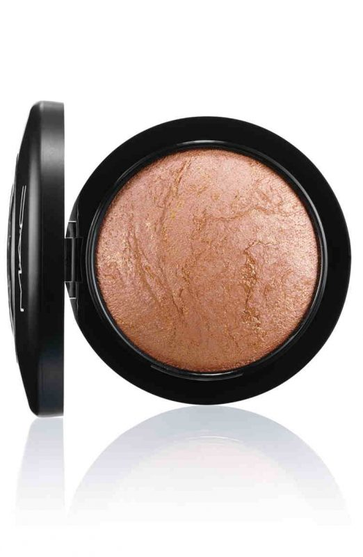 M•A•C Mineralize Skinfinish in Global Glow