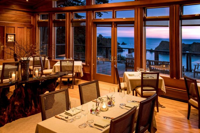 Harbor House Inn Dining Room