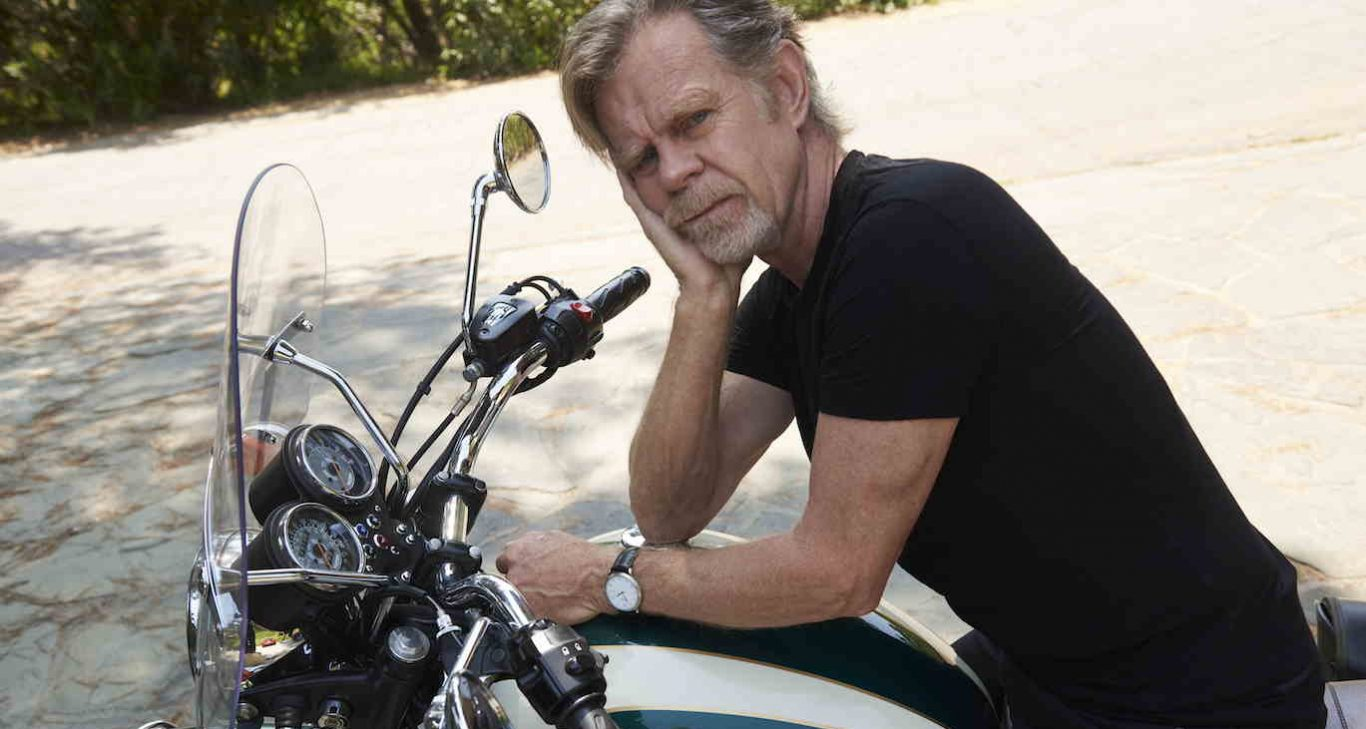 """William H. Macy Is Taking The Time To Stop, Smell The Roses & Drink A Little Whiskey In His New, """"Shameless""""-Free Era"""