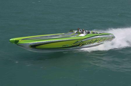 41_Luxury_Cat_Powerboat