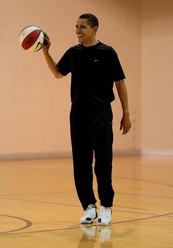 bf194245-obama-basketball